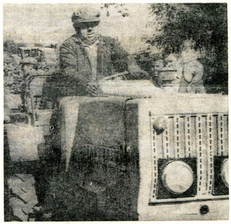 Кормянский район, дер. Староград, Мишаков Н.Н. на самоднльном тракторе