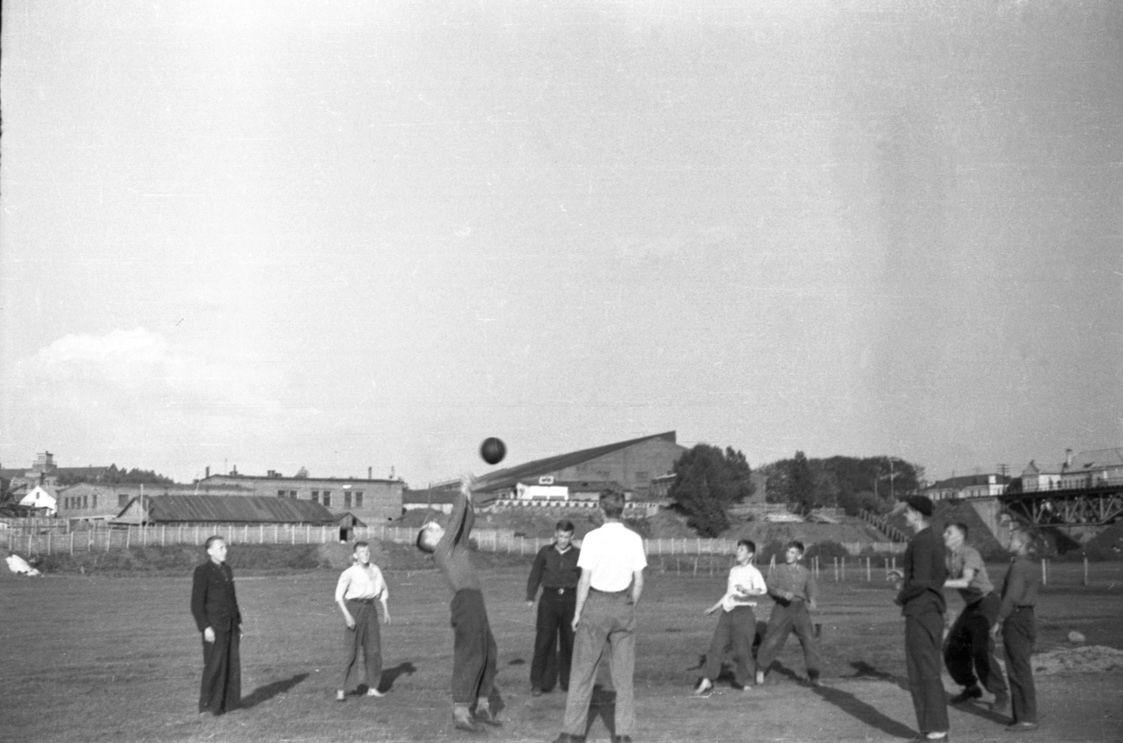 Минск, 1950-е годы, район ул. Октябрьская, Свислочь, Аранская 9,