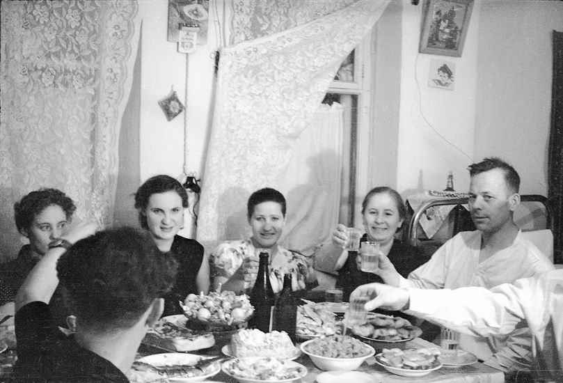 Оренбург, оренбургская семья, новогоднее застолье, 1957 год